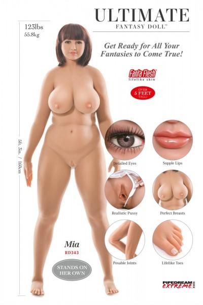 Ultimate Fantasy Dolls Mia